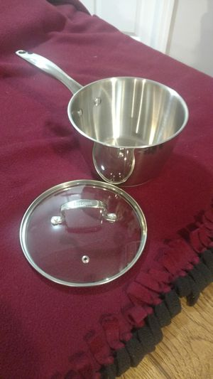 Stainless pot with lid for Sale in Pittsburgh, PA