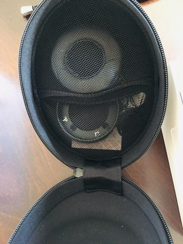 Muzik One WIRELESS BLUETOOTH Headphones