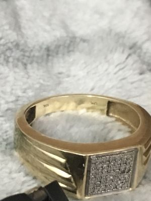 Gold 10k men's ring , crushed and hole diamond , men's 10k gold crushed diamond. Earring to match ring .. for Sale in Colorado Springs, CO