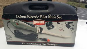 Rapala Deluxe electric fillet knife set for Sale in Greensboro, NC