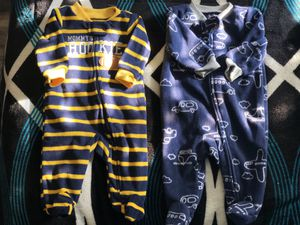 Newborn Baby Clothes (includes a set of diapers) for Sale in Chino, CA