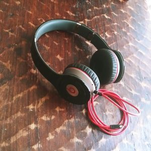 Beats Wireless Headphones for Sale in Discovery Bay, CA