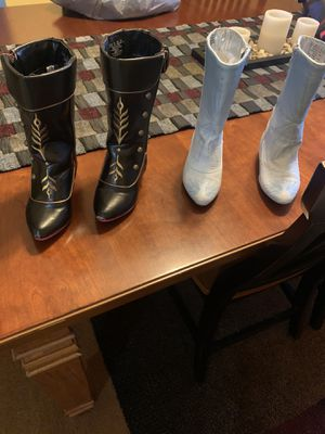 Disney Frozen 9/10 Anna & Elsa Boots for Sale in Tampa, FL
