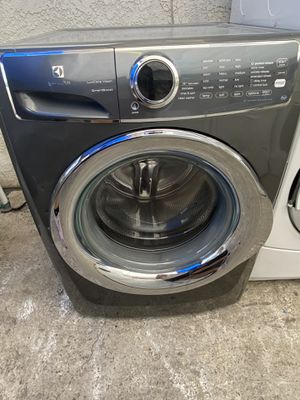 Electrolux Front Load Washer for Sale in Riverside, CA
