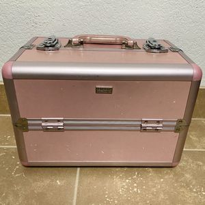 Pink Sephora Makeup Train Case / Normal Wear / Great for New Makeup Collector or Professional Makeup Artist for Sale in Fullerton, CA
