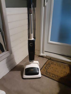HAAN SV-60 2-IN-1 SWEEPER AND STEAM MOP for Sale in Doraville, GA