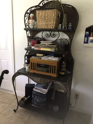 Table for breakfast good condition for Sale in Pembroke Pines, FL