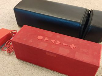 Jawbone BIG JAMBOX J2011 Wireless Bluetooth Speaker + Case + Charger (Red Rare) for Sale in Kenmore,  WA