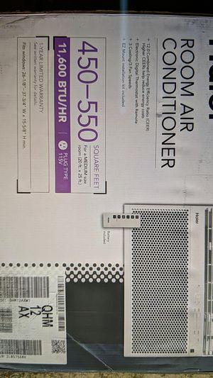 Haier window AC unit -- 11,600 BTU/HR for Sale in Houston, TX