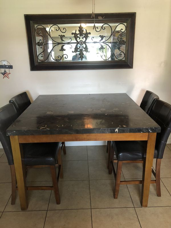Granite Kitchen Table w 4 Leather Chairs