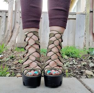 New Wild Diva Lace up Platform Heels for Sale in Costa Mesa, CA