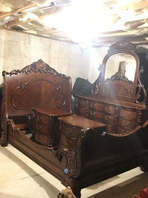 Queen size bedroom set for Sale in Forest, VA