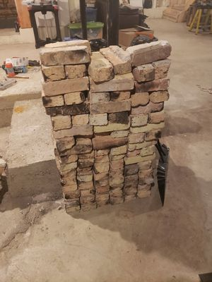 FREE!! Common brick for Sale in Westchester, IL