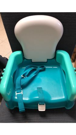 Safety First Booster Chair for Sale in Yonkers,  NY