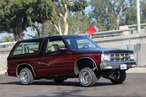 LOWRIDER Lowriders 1986 Chevy Blazer Tahoe Jimmy Chevrolet for Sale in Los Angeles, CA
