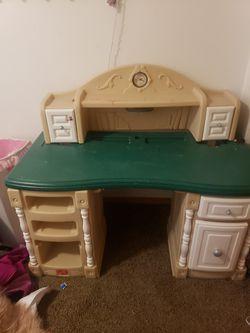 Kids Step 2 desk for Sale in Hillsboro,  OR