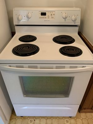 Whirlpool electric stove with warranty for Sale in Denver, CO