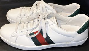 MENS GUCCI SNEAKER SIZE 11 for Sale in Brooklyn, NY