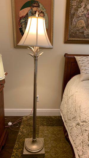 Elegant floor lamp. Heavy base. for Sale in Port St. Lucie, FL