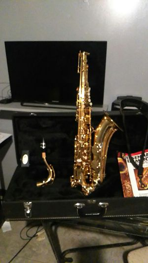 Just like brand new Tenol Saxophone... Very clean no problem for Sale in Chicago, IL