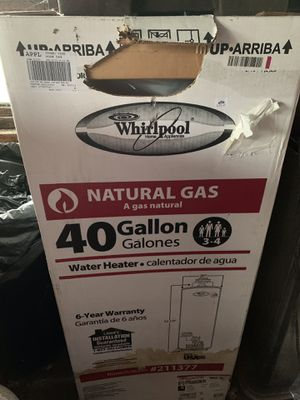 Whirlpool 40 gallon gas water heater for Sale in Madison Heights, MI