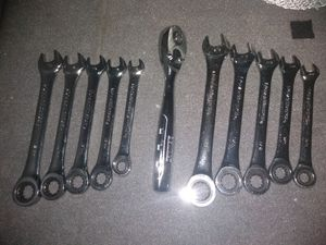 Gearwrench ratchet wrenches metric /standard... DeWalt 3/8 ratchet for Sale in Columbus, OH