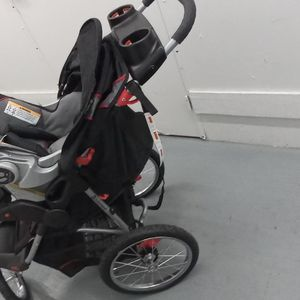 Expedition Jogger Stroller With Car seat for Sale in Anaheim, CA