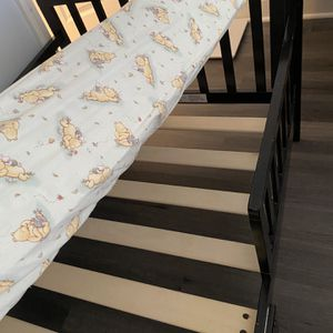 baby bed and mattress for Sale in Wheeling, IL