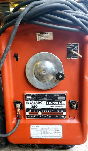 Lincoln Idealarc 250 AC/DC ARC Welder. for Sale in Kent, WA