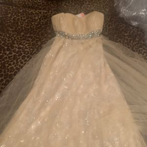Formal Dress For Prom Or Home Coming Or A Wedding for Sale in Cleveland, OH