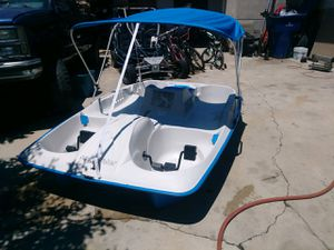 Pedal boat for Sale in Riverside, CA