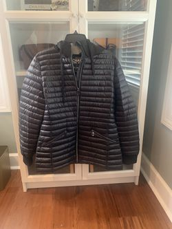 BRAND NEW MICHAEL KORS JACKET for Sale in Murfreesboro,  TN