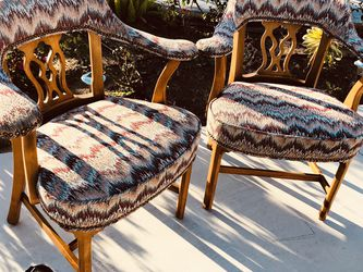 A pair of KRAVET chairs, it is very comfortable, beautiful and generous, elegant and unique design, quite tasteful for Sale in Seal Beach,  CA