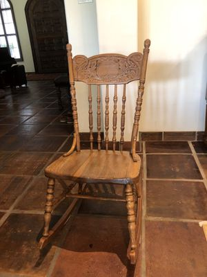 Antique rocking chair for Sale in Grapevine, TX