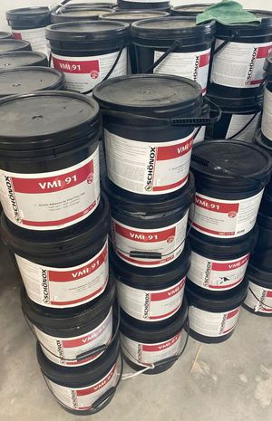 Vinyl flooring glue 3 5A for Sale in Addison, TX