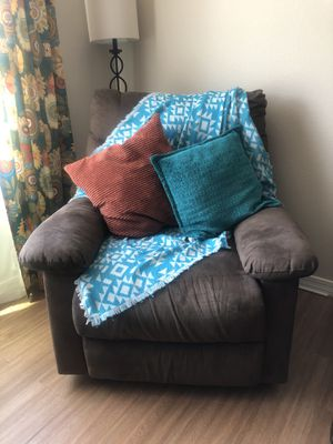 Brown Recliner Chair for Sale in Mesa, AZ