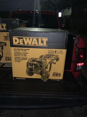 Dewalt 3400psi pressure washer for Sale in Oakland, CA