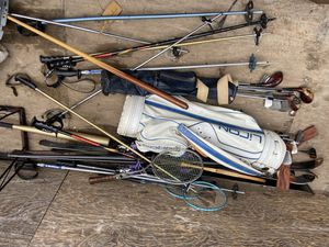 Golf clubs tennis rackets and snow skis with bags! for Sale in Oceanside, NY