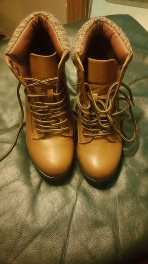 Brow leather boot for Sale in Pittsburgh, PA