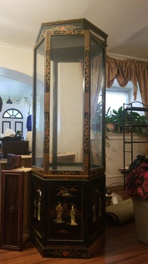 Update: Antique Chinese Display cabinet for Sale in Kirklyn, PA
