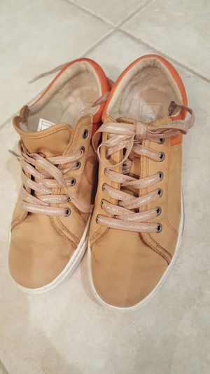 UGG sneakers tan and orange sz 8 for Sale in San Diego, CA