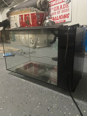 Fish tank for Sale in Carol Stream, IL