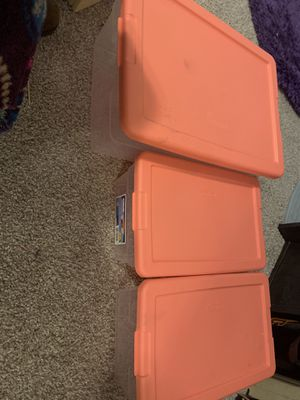 Plastic containers for Sale in Manistee, MI