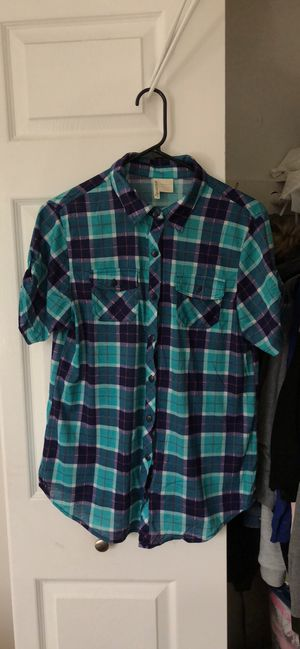 Woman's plaid shirt for Sale in Fairfax Station, VA