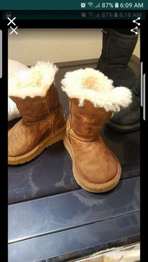 Baby girl winter ugg boots for Sale in Mesquite, TX