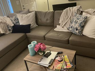 Leather Couch for Sale in Huntington Beach,  CA
