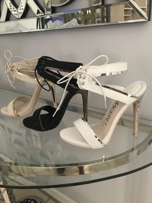 New Black, White or Beige Sandals Heels Size 6 or 7 for Sale in Miami, FL