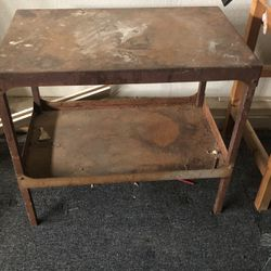 Free Metal Table for Sale in Azusa,  CA