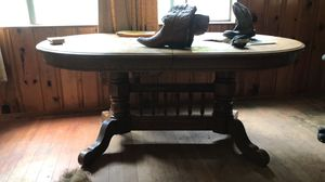 Dining room table with two additional leafs for Sale in La Pine, OR