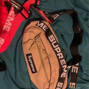Supreme Waist /shoulder Bag for Sale in Fort Lauderdale, FL